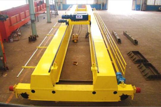 雄峰QD20t-16.5m双梁吊钩桥式起重机