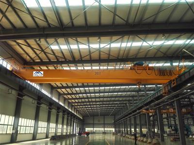 雄峰LH20t-22.5m双梁吊钩桥式起重机